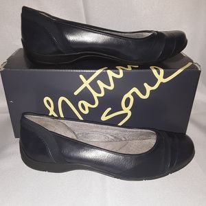 Natural Soul Navy Flats. Size 7.5 Wide.